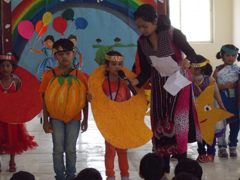 Special Assembly on Colors was presented by UKG (2)