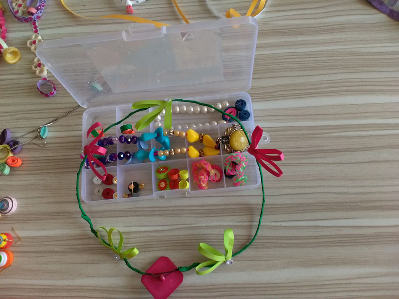 VSE-Ornament-making-competition7